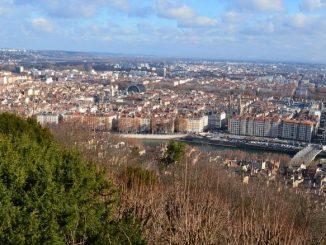 Qualité de l'air dans la ville de Lyon, image en hauteur de la ville.