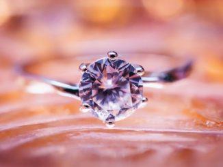 bague en diamant solitaire
